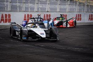 Edoardo Mortara, Venturi Racing, Silver Arrow 02, Jake Dennis, BMW i Andretti Motorsport, BMW iFE.21