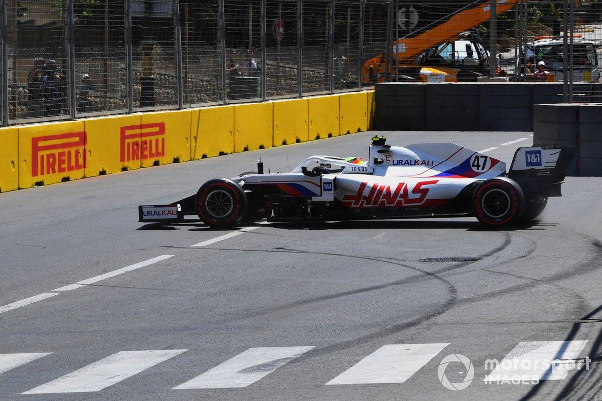 Mick Schumacher, Haas VF-21, después de un trompo