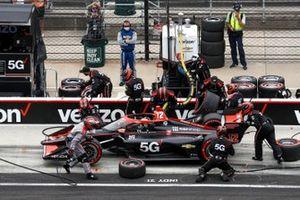 Will Power, Team Penske Chevrolet, effectue un arrêt au stand
