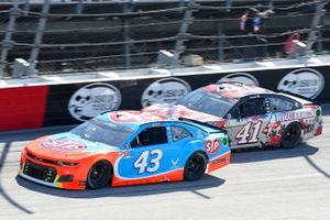 Erik Jones, Richard Petty Motorsports, Chevrolet Camaro STP, Cole Custer, Stewart-Haas Racing, Ford Mustang HaasTooling.com Mother's Day