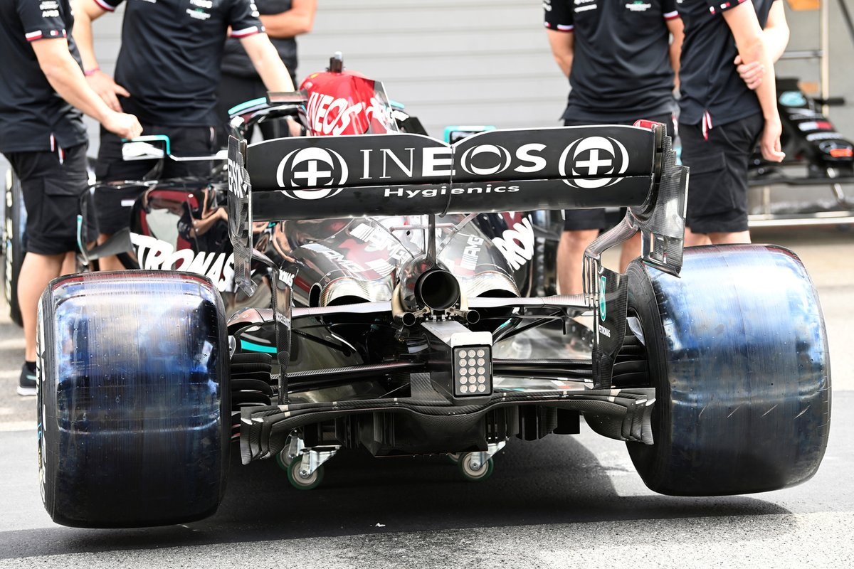 Detalle de la parte trasera del Mercedes W12