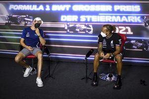 Nicholas Latifi, Williams, Lewis Hamilton, Mercedes en la conferencia de prensa