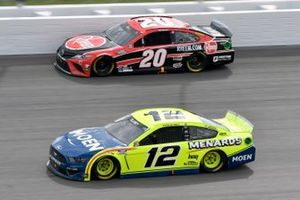 Ryan Blaney, Team Penske, Ford Mustang Menards/Moen, Christopher Bell, Joe Gibbs Racing, Toyota Camry Rheem