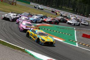 Start action, Vincent Abril, Haupt Racing Team Mercedes AMG GT3 leads