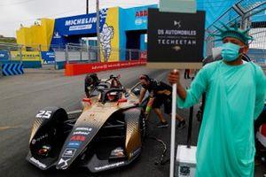 Jean-Eric Vergne, DS Techeetah, DS E-Tense FE21, arrives on the grid