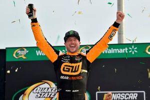 Race winner Kurt Busch, Chip Ganassi Racing, Chevrolet Camaro