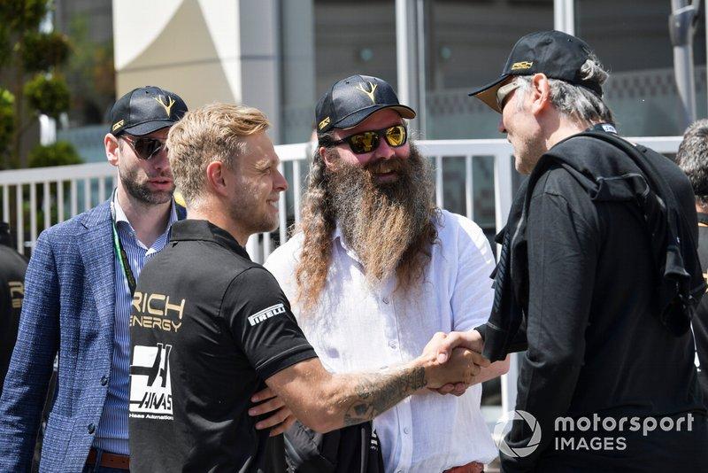 Kevin Magnussen, Haas F1 y William Storey, CEO Rich Energy