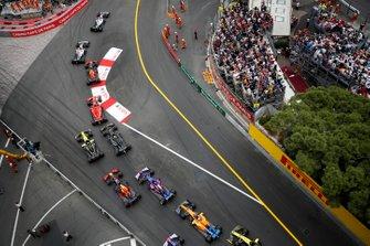 Lewis Hamilton, Mercedes AMG F1 W10, leads Valtteri Bottas, Mercedes AMG W10, Max Verstappen, Red Bull Racing RB15, Sebastian Vettel, Ferrari SF90, Daniel Ricciardo, Renault R.S.19, Kevin Magnussen, Haas F1 Team VF-19, Pierre Gasly, Red Bull Racing RB15, Daniil Kvyat, Toro Rosso STR14, Carlos Sainz Jr., McLaren MCL34, Alexander Albon, Toro Rosso STR14, and Nico Hulkenberg, Renault R.S. 19, at the start