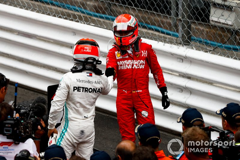 Race Winner Lewis Hamilton, Mercedes AMG F1 and Sebastian Vettel, Ferrari celebrate in Parc Ferme