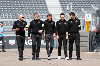 Andre Lotterer, DS TECHEETAH, adn Jean-Eric Vergne, DS TECHEETAH, DS E-Tense FE19 on a track walk