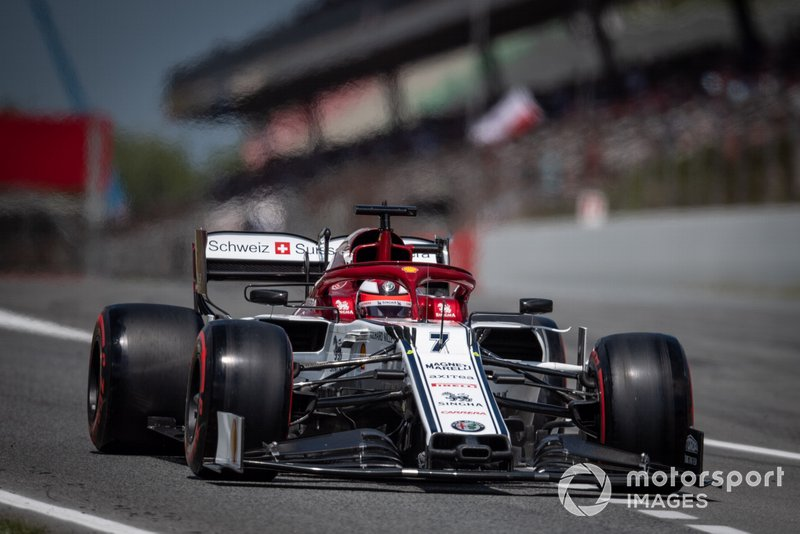 Кими Райкконен стал в квалификации 14-м. Это его худший результат со времен Гран При Венгрии-2016. Тогда он тоже был 14-м на решетке