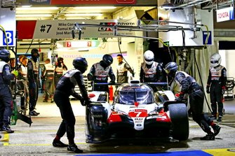 Damage to the #7 Toyota Gazoo Racing Toyota TS050: Mike Conway, Jose Maria Lopez, Kamui Kobayashi
