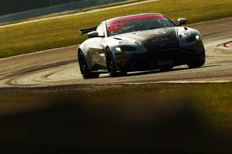#62 Academy Motorsport Aston Martin V8 Vantage GT4: Alex Toth-Jones, Will Moore