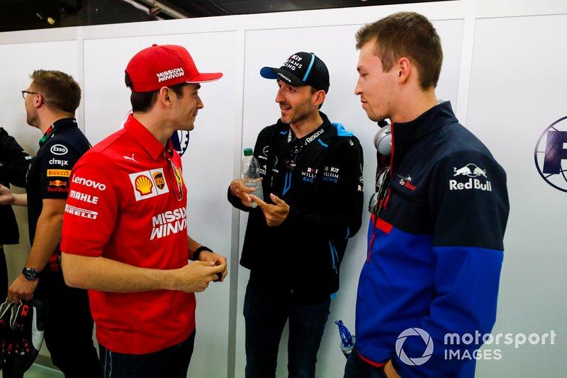 Charles Leclerc, Ferrari, Robert Kubica, Williams Racing, y Daniil Kvyat, Toro Rosso