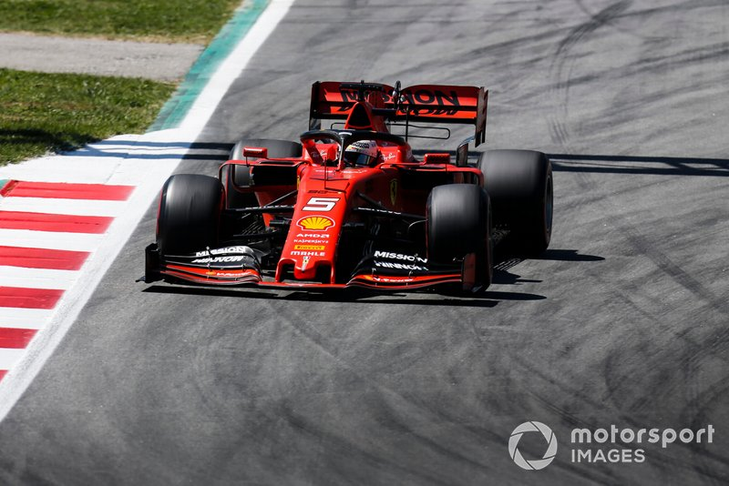 Vettel urges team to pit him