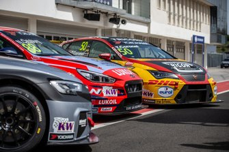 Niels Langeveld, Comtoyou Team Audi Sport Audi RS 3 LMS, Nicky Catsburg, BRC Hyundai N LUKOIL Racing Team Hyundai i30 N TCR, Tom Coronel, Comtoyou DHL Team CUPRA Racing CUPRA TCR
