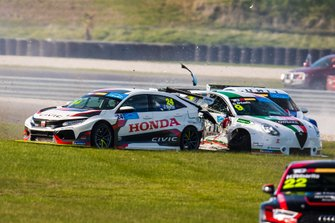 John Martin, Wall Racing Honda and Dylan O'Keeffe, Ash Seward Motorsport Alfa Romeo