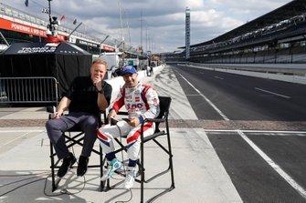 TV Legend Dave Furst with Tony Kanaan, A.J. Foyt Enterprises Chevrolet