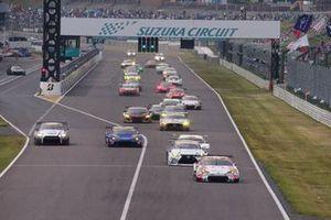 #36 Team Tom's Lexus LC500: Yuhi Sekiguchi, Kazuki Nakajima leads