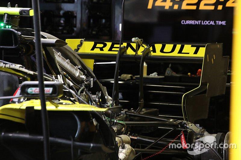 Renault R.S.19: Motor und Heckflügel
