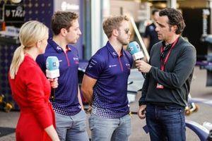 Robin Frijns, Envision Virgin Racing, Sam Bird, Envision Virgin Racing, talk to TV Pundit Dario Franchitti