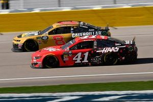 Daniel Suarez, Stewart-Haas Racing, Ford Mustang Haas Automation and Austin Dillon, Richard Childress Racing, Chevrolet Dow SILASTIC Silicone Elastomers