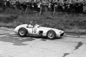 Juan Manuel Fangio, Mercedes W196