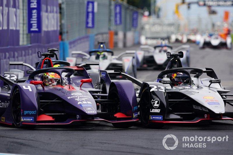 Sébastien Buemi, Nissan e.dams, Nissan IMO1, Robin Frijns, Envision Virgin Racing, Audi e-tron FE05, roue contre roue