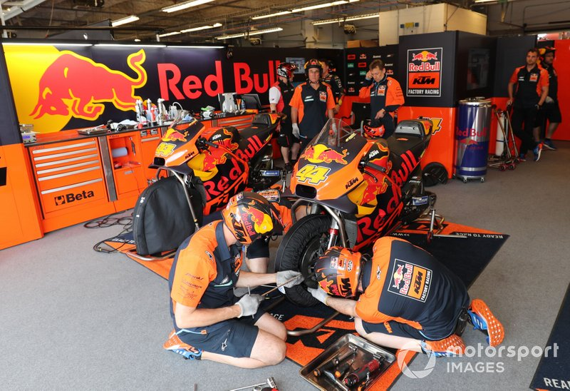 Garage of Pol Espargaro, Red Bull KTM Factory Racing
