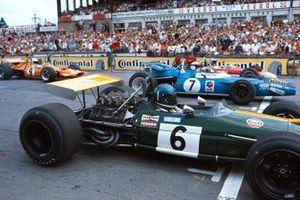 Start zum GP Deutschland 1969 auf dem Nürburgring: Jacky Ickx, Brabham BT26A, Jackie Stewart, Matra MS80, Jochen Rindt, Lotus 49B, Denny Hulme, McLaren M7C