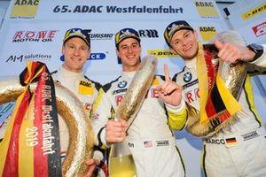 Podyum : Yarış galibi #99 ROWE Racing BMW M6 GT3: Nick Catsburg, Marco Wittmann, John Edwards