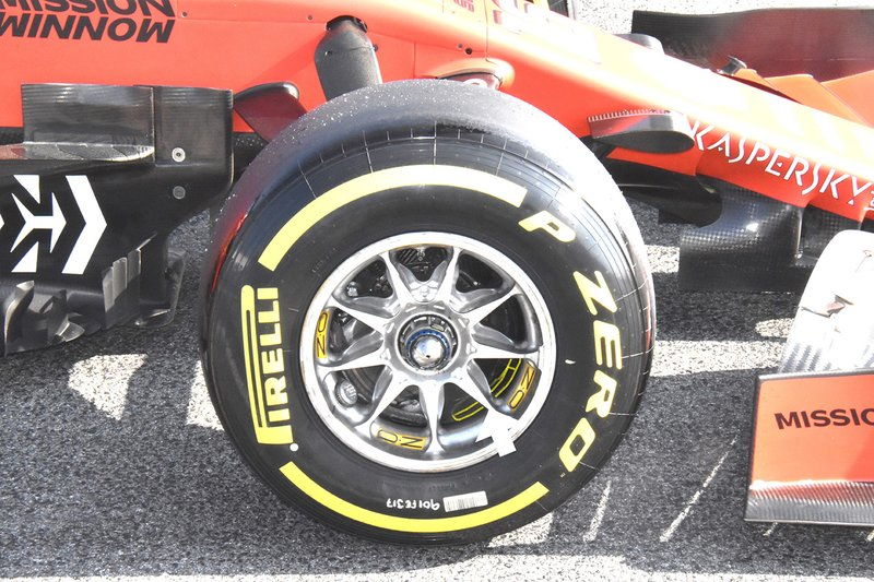 Ferrari SF90 wheel rim detail