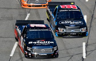 Harrison Burton, Kyle Busch Motorsports, Toyota Tundra Safelite AutoGlass and Ben Rhodes, ThorSport Racing, Ford F-150 Carolina Nut