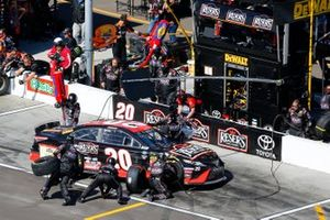 Erik Jones, Joe Gibbs Racing, Toyota Camry Reser's Fine Foods pit stop