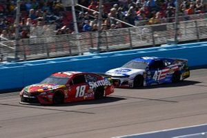 Kyle Busch, Joe Gibbs Racing, Toyota Camry SKIT Ryan Preece, JTG Daugherty Racing, Chevrolet Camaro Kroger