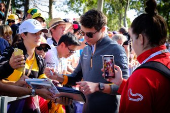 Lando Norris, McLaren signs autographs for fans