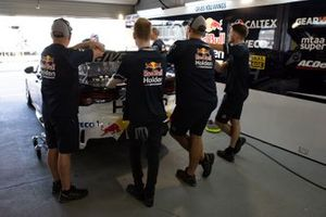 Triple Eight Race Engineering mekanikerleri