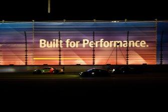 Дирк Мюллер, Джой Хенд, Себастьен Бурдэ, Chip Ganassi Racing, Ford GT (№66), Джон Поттер, Энди Лалли, Спенсер Пампелли, Марко Мапелли, Magnus Racing, Lamborghini Huracan GT3 (№44)