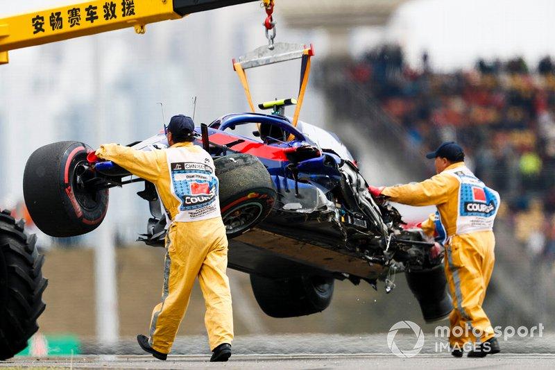 Alexander Albon, Toro Rosso STR14 kaza sonrası