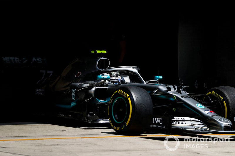 Valtteri Bottas, Mercedes AMG W10, quittant son garage
