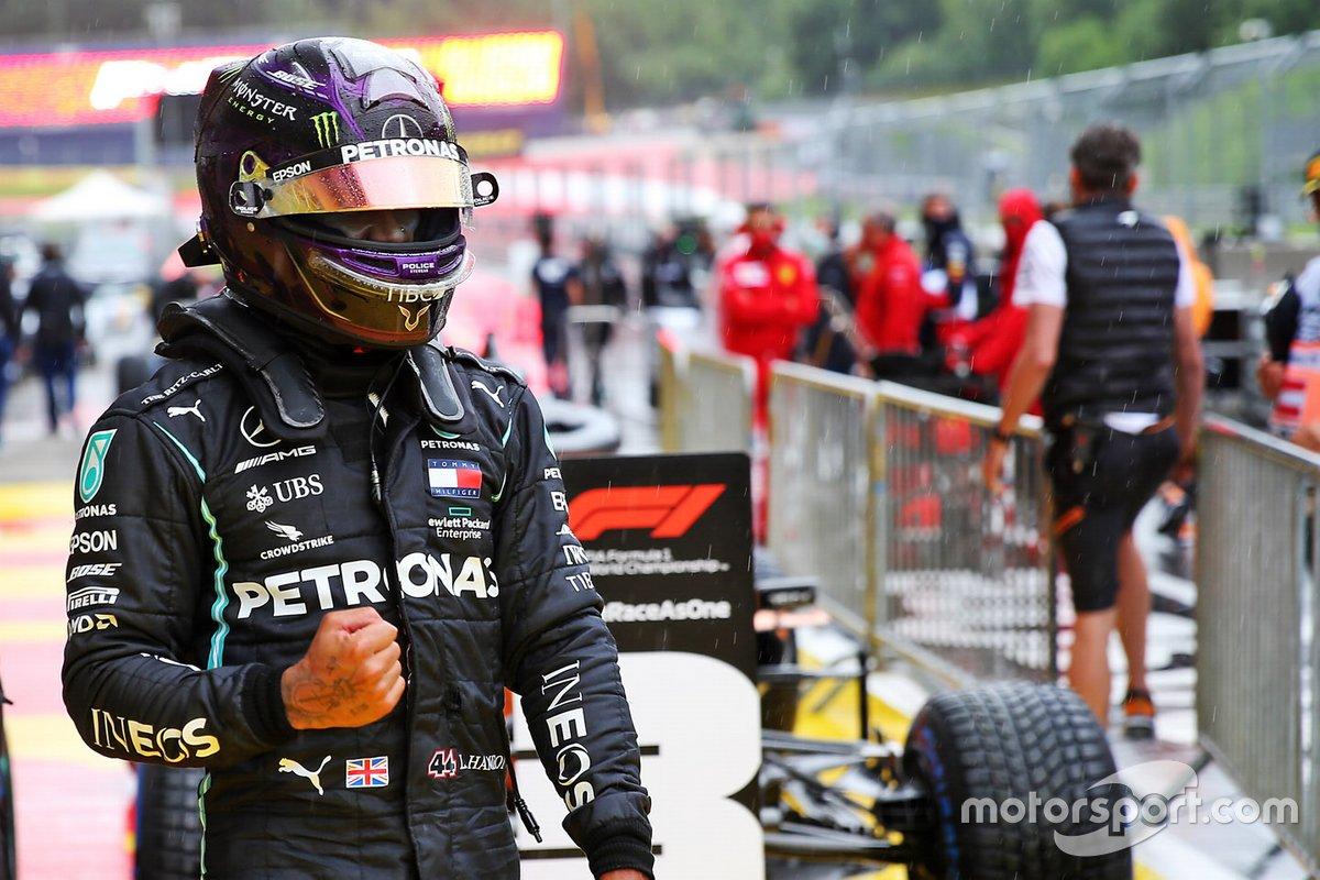 Ante el retraso en el inicio de la F1 2020 por la COVID-19, Hamilton no sumó su primera pole del curso hasta julio, en la segunda cita de la temporada y bajo la lluvia en Austria