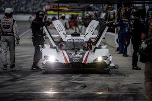 #77: Mazda Team Mazda DPi, DPi: Oliver Jarvis, Tristan Nunez