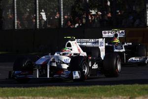 Sergio Perez, Sauber C30 et Pastor Maldonado, Williams FW33