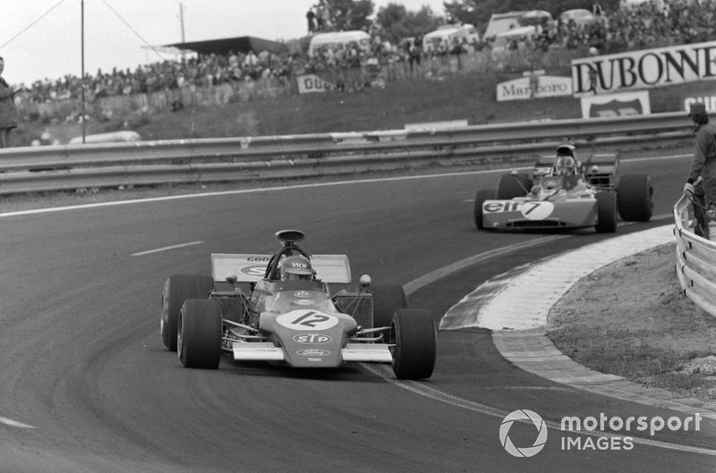 Ronnie Peterson, March 721G Ford leads François Cevert, Tyrrell 002 Ford