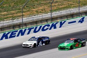 Ryan Newman, Roush Fenway Racing, Ford Mustang and Matt Kenseth, Chip Ganassi Racing, Chevrolet Camaro Clover
