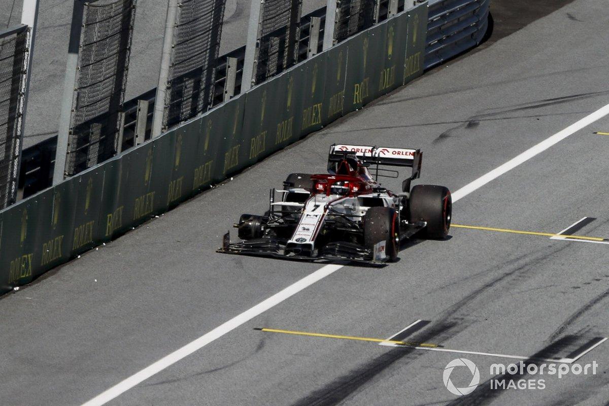 Kimi Raikkonen, Alfa Romeo Racing C39 si ritira dalla gara