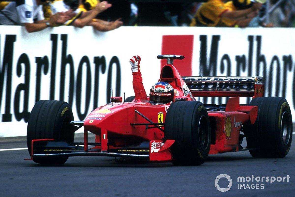 В тот день Ferrari и ее лидер одержали одну из самых удивительных побед, найдя порясающий способ обогнать соперников на «Хунгароринге»