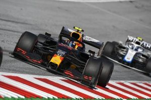 Alex Albon, Red Bull Racing RB16, leads Nicholas Latifi, Williams FW43