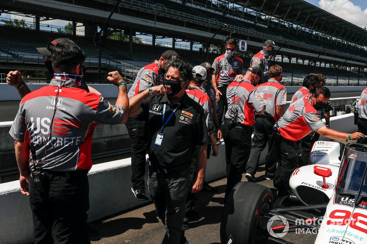 Michael Andretti, Andretti Herta with Marco & Curb-Agajanian Honda, celebra su pole