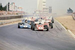 Start zum GP Deutschland 1971 auf dem Nürburgring: Jacky Ickx, Ferrari 312B2, führt
